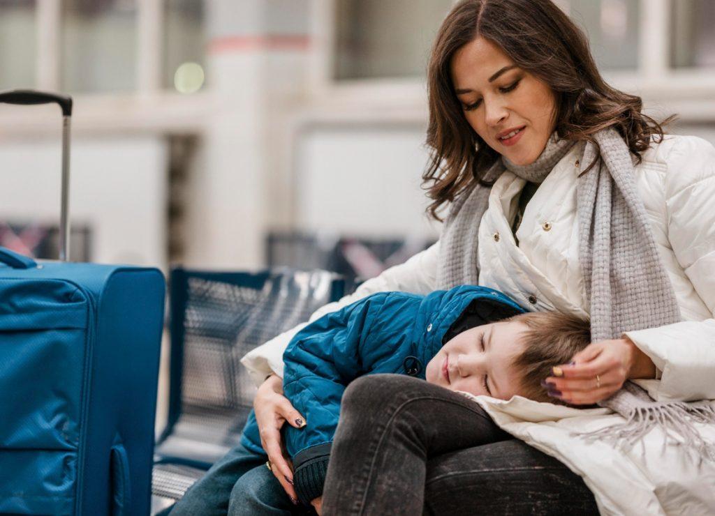 medium-shot-woman-holding-kid